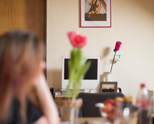 Brigitte Obrist im Spiegel ihrer Vergangenheit Foto: Mike Flam