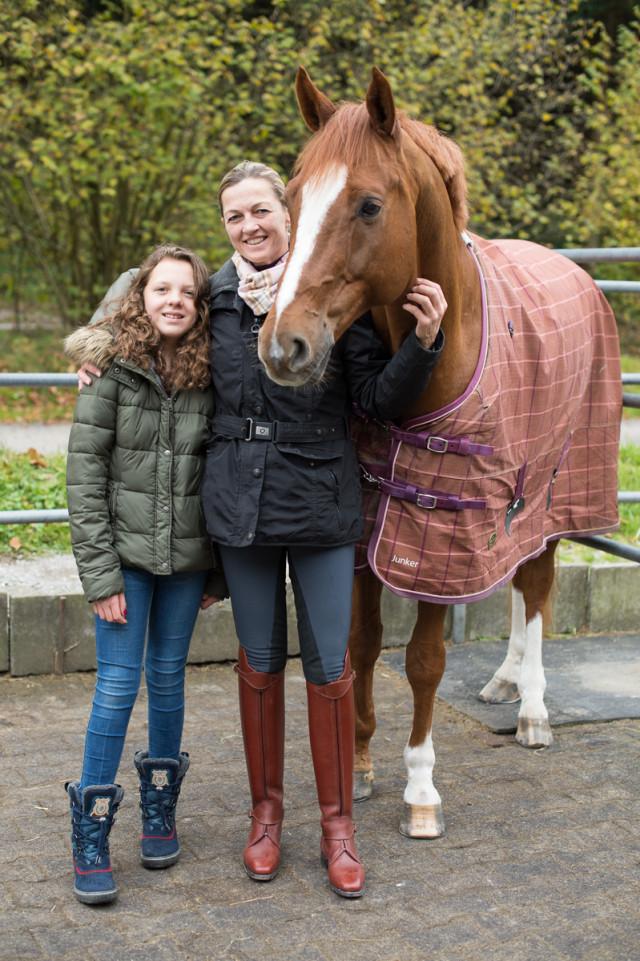Nicola Heyser glücklich mit ihre Tochter Anna-Paula.