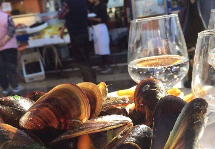 Frische Muscheln am Markt von Nizza