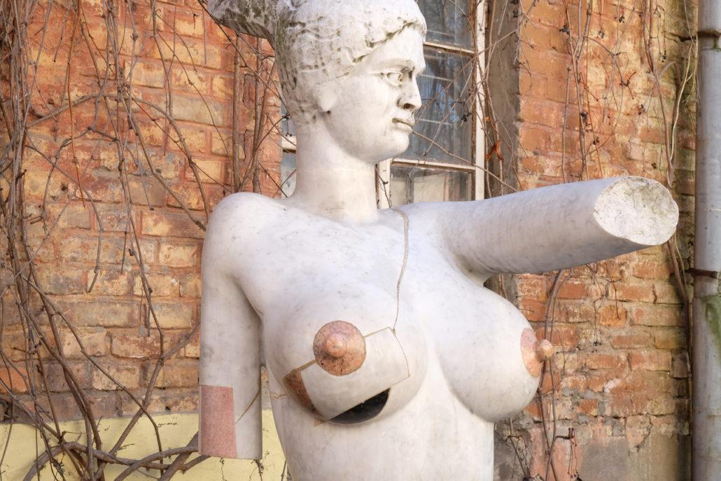 In der freien Republik Uzupis, einer Künstlerkolonie in Vilnius, ist manches anders. Foto: Giovanoli