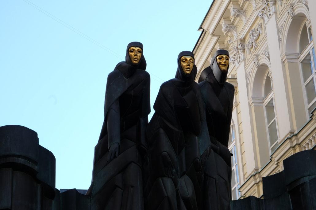 Lithauisches National Drama Theater Vilnius - Die drei Musen - Drama, Tragödie, Komödie - von Stanislovas Kuzma.