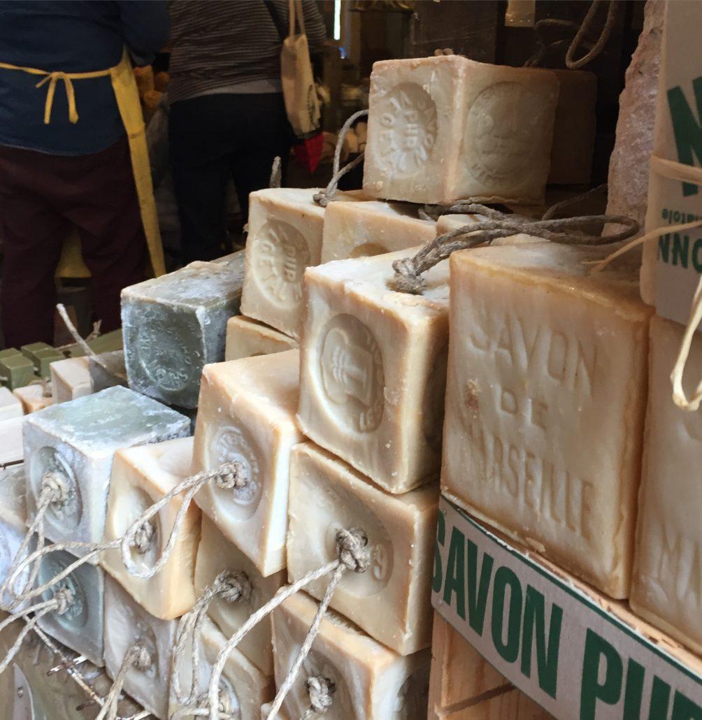 Landgang in Marseille, Besuch eine traditionellen Seifenproduktion.