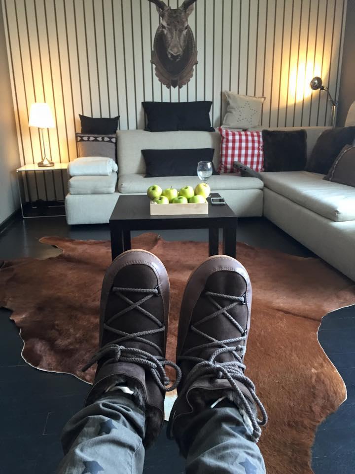 Wohl einer meiner schönsten Buchungen - Appartement in St. Moritz, super schön, tolle Einrichtung, Lage und Aussicht - an die Küche kann ich mich irgendwie nicht mehr erinnern. Die war wo???