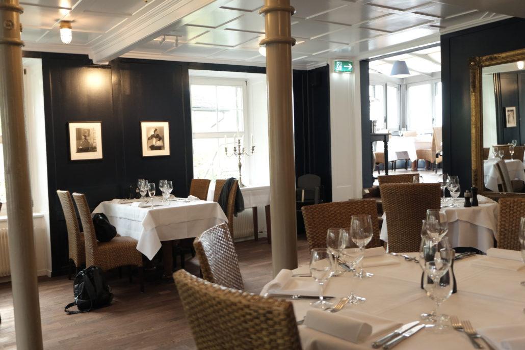 Sanft renoviert und im neuen Glanz erstrahlt das See Restaurant Steinburg in Küsnacht Zürich.