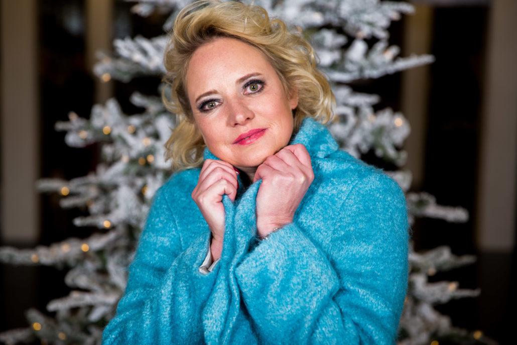 Dieser eisblaue Mantel von Strenesse - es war Liebe auf den ersten Blick. Foto: Oskar Moyano