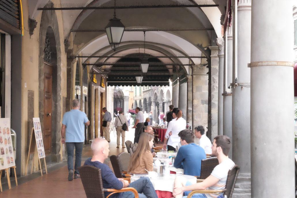 Das Salza - eines der beliebtesten Cafés in Pisa, seit 1920 in Familienbesitz.