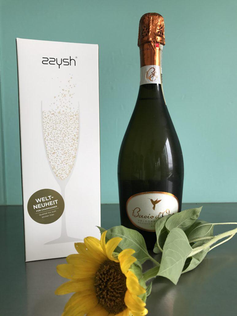 Erfolgreiches Start Up - Wein, Champagner und Prosecco bleiben so frisch, als wären sie nie geöffnet worden. Das System funktioniert so, dass die Luft in der Flasche durch eine Schutzatmosphäre ersetzt wird.